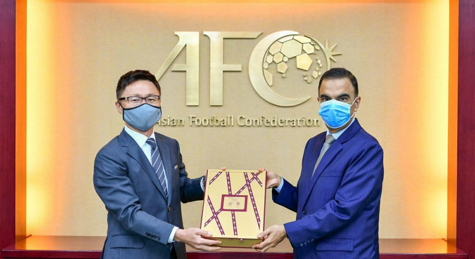 QFA hands over fourth and final part of the AFC Asian Cup 2027 bid file